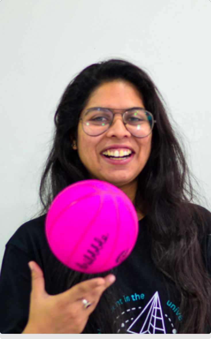 Aubergine member with Dribbble ball